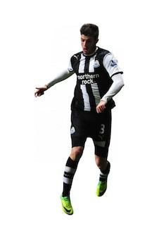 Davide santon   newcastle premier league