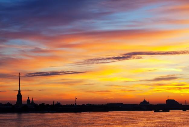 Рассвет в санкт-петербурге, россия