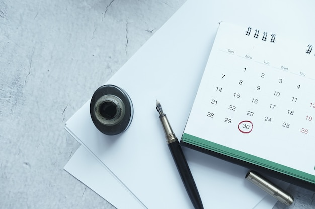 Deadline concept with red mark on calendar date
