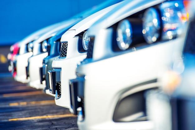Дилерские автомобили для продажи