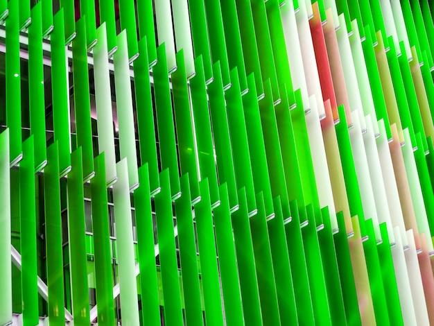 屋外のアクリルプラスチックシートの内部と外部を飾る