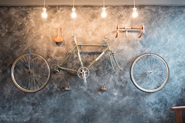 Decorate with bicycle on the wall.