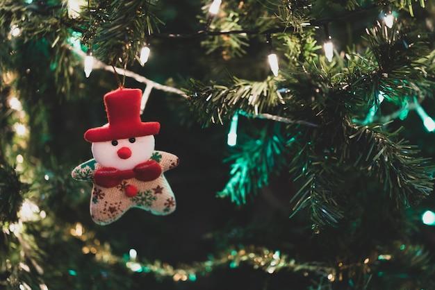 산타, 싸구려 및 선물 상자 크리스마스 트리 장식