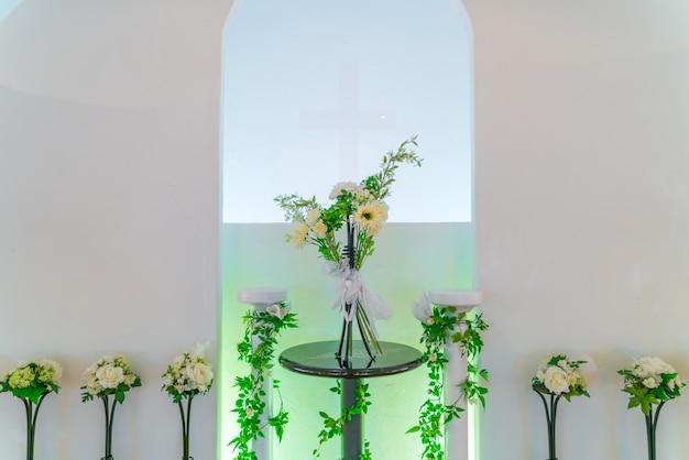 Decorazione floreale artificiale. (vintag immagine elaborata filtrata