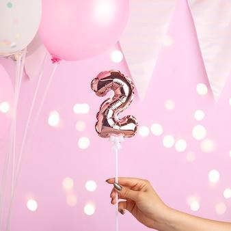 2歳の誕生日パーティーの装飾。