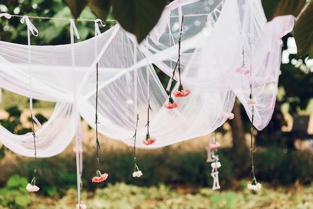 農村やレトロスタイルのイベントや結婚式のための装飾オブジェクト。