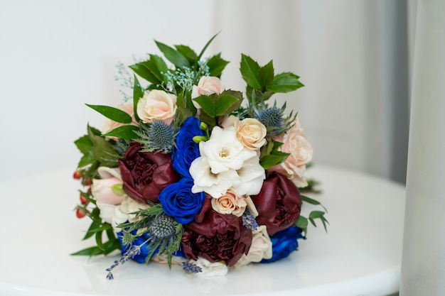 Decorative bouquet of fresh flowers to decorate the festive table