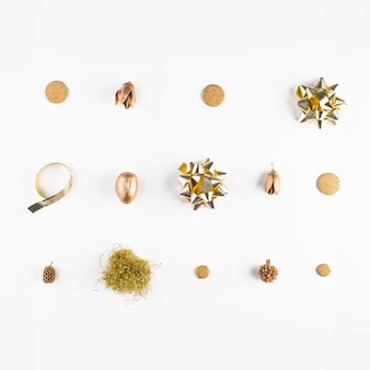 Decorative bows and dry acorns