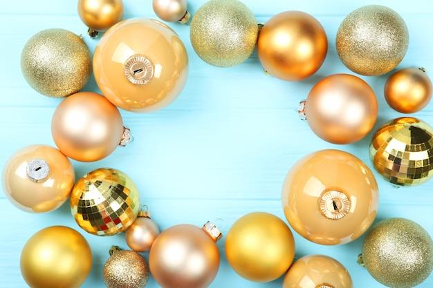 Декоративные елочные шары вид сверху место для вставки текста