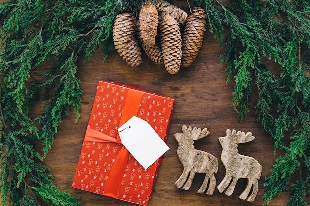 クリスマスの装飾的な組成