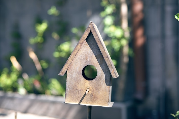 Домик для птиц из железа