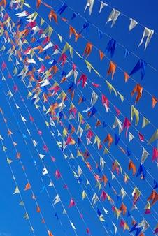 축제 juninas의 장식 pennons