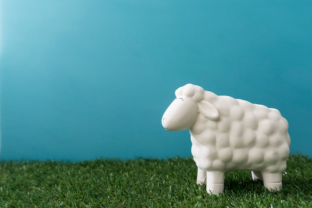 Decorative sheep for easter day Free Photo