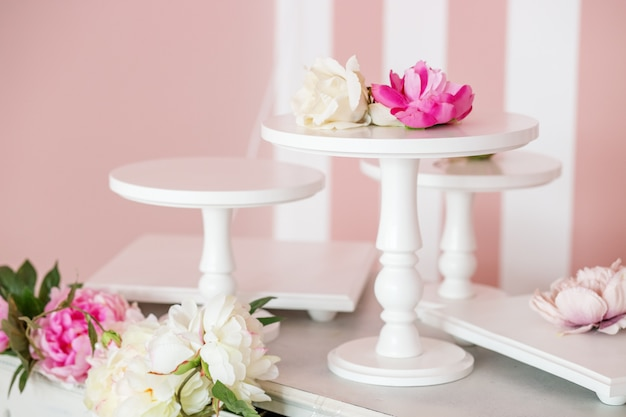 Decorative stand with flowers