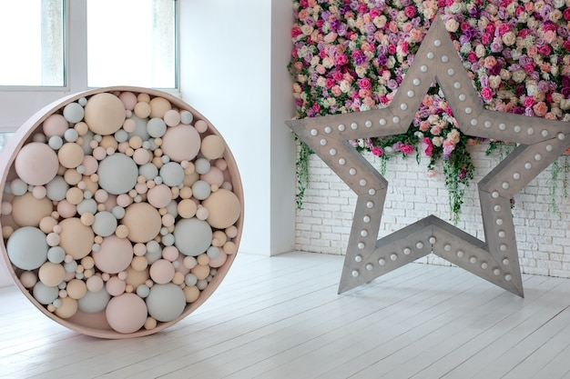 Decorative star with led retro lamp bulbs and round ornament