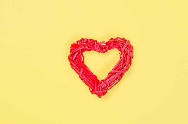 Decorative wicker heart from the vine