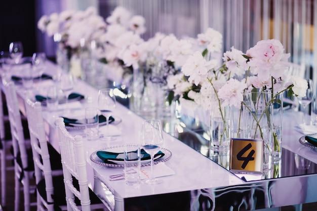 Decorwedding table in restaurant