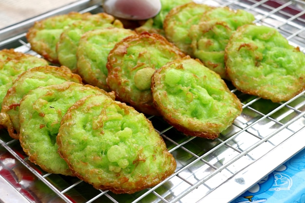 Deep fried rice flour with pandan