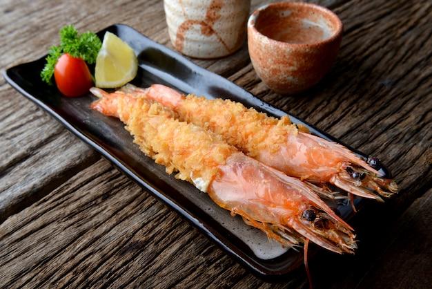 Deep fried shrimp in japanese style.
