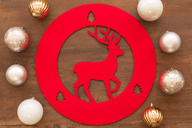 Deer decoration with shiny baubles