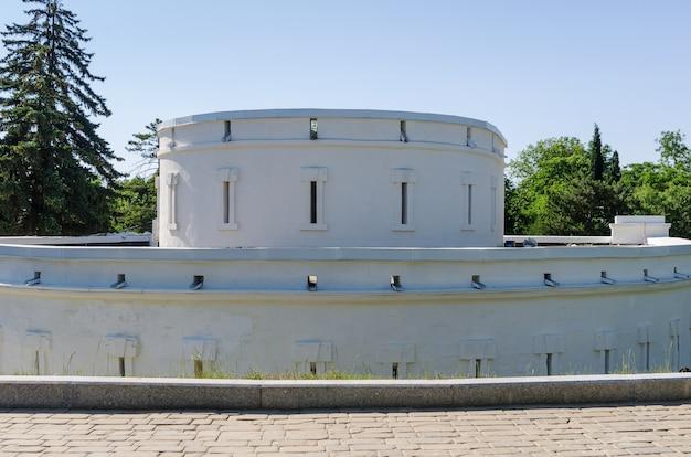 Оборонительная башня с бойницами