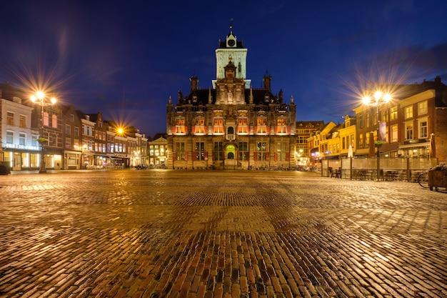 Делфтская рыночная площадь, вечерний рынок дельфт, нидерланды