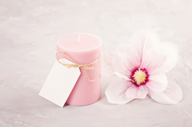 Delicate flower scented candle