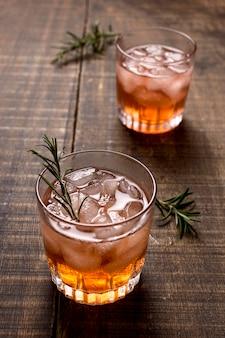 ローズマリーとおいしいアルコール飲料