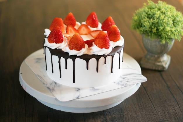 Вкусный и простой в приготовлении шоколадный торт
