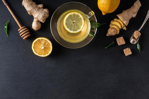 Концепция вкусного и здорового чая с копией пространства