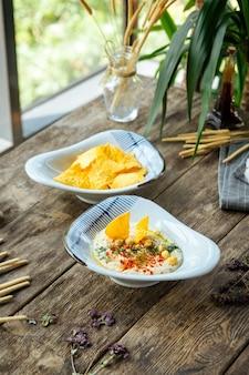 Вкусная закуска из хумус соуса еврейской кухни