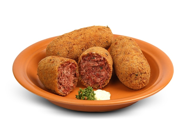 Вкусная бразильская кухня: bolinho de carne seca.