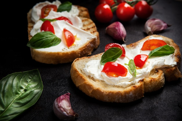 Delicious bread with cheese and tomato