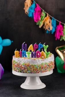 おいしいケーキとキャンドルのアレンジメント