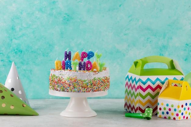おいしいケーキやパーティーの飾り