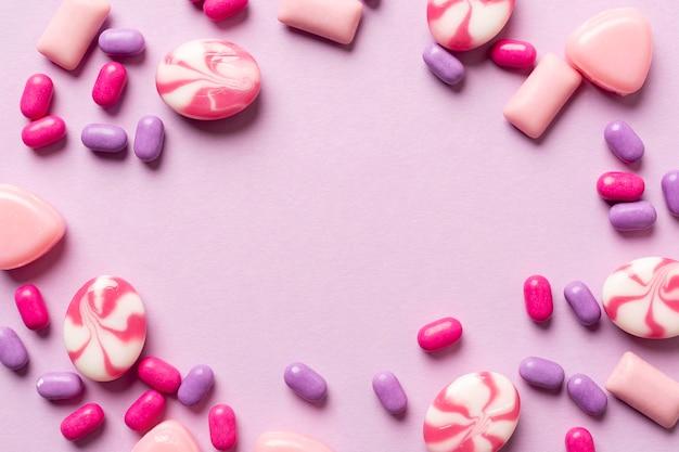 Концепция вкусных конфет с копией пространства