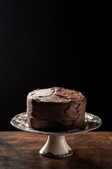 Deliziosa torta al cioccolato con copia spazio