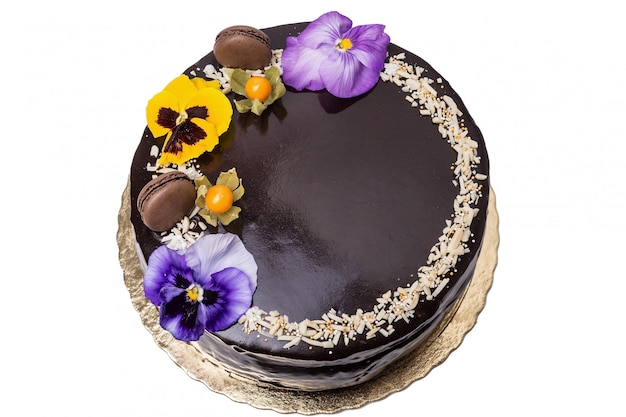 Вкусный шоколадный торт. с физалисом.