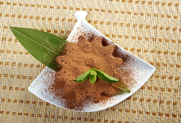 Вкусный шоколадный брауни с помадкой