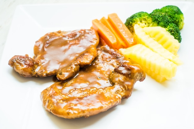 Delicious chops with gravy and chips