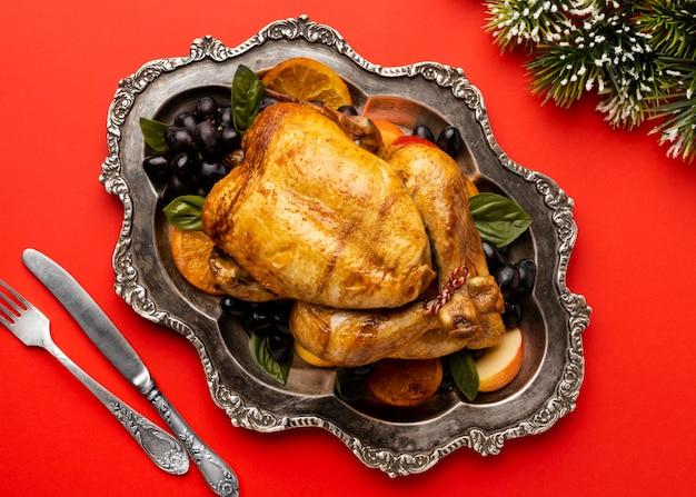 Вкусная композиция из рождественских блюд