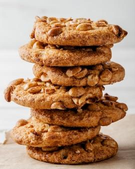 Deliziosi biscotti piatti laici
