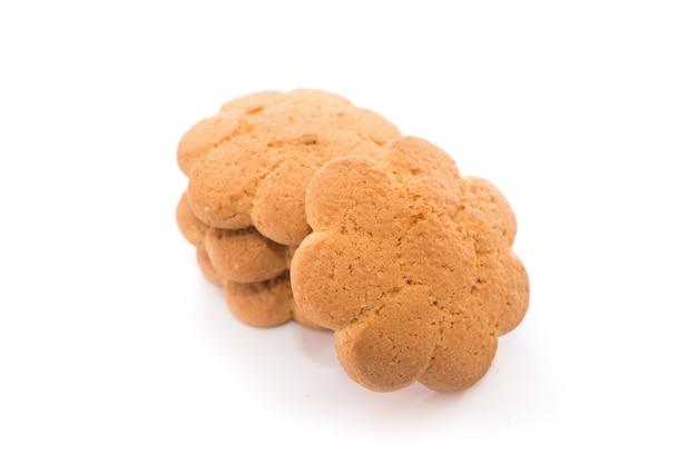 白い背景で隔離のおいしいクッキー。