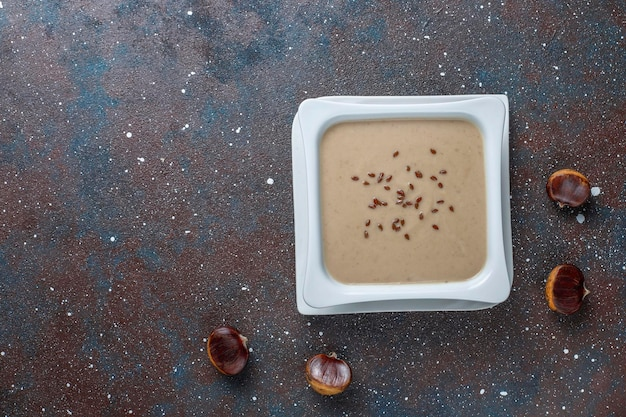 クリーミーな栗の美味しいスープ。