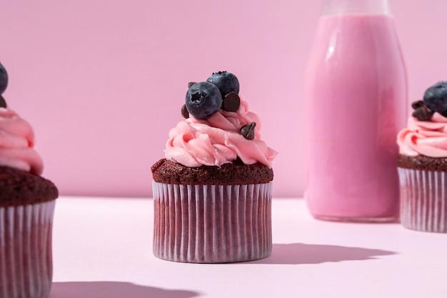 Deliziosi cupcakes ai mirtilli