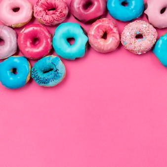 Вкусные пончики копией пространства