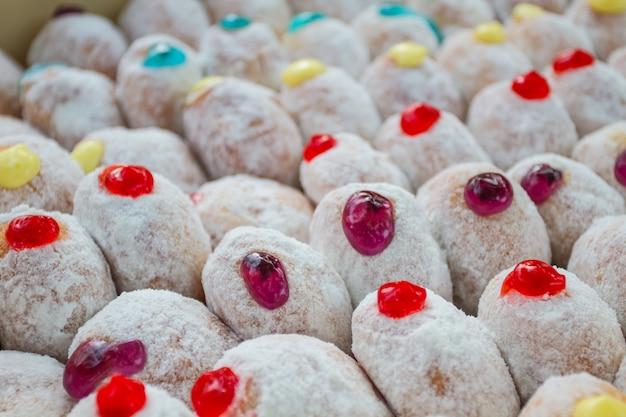 입힌 맛있는 도넛