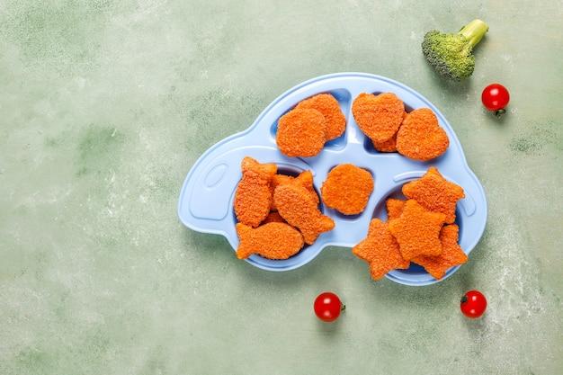맛있는 냉동 생선 덩어리.