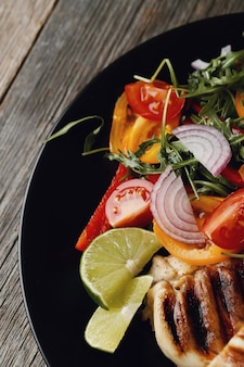 Delicious grilled chicken with vegetables for dinner