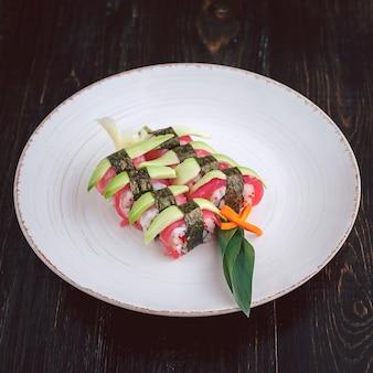 美味しい手作りお寿司。伝統的な日本食